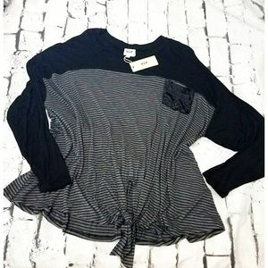 H.I.P. Striped top with knot front sz 1X